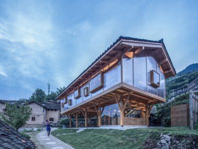 ساخت کتابخانه با چوب و شیشه